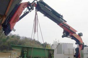 Kranarbeiten - Umsetzen schwerer Maschinen